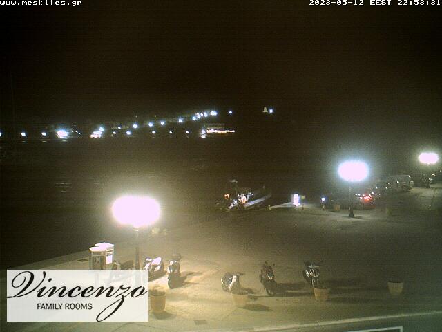 Уеб камера от остров Тинос - изглед от град Тинос, столицата, Гърция